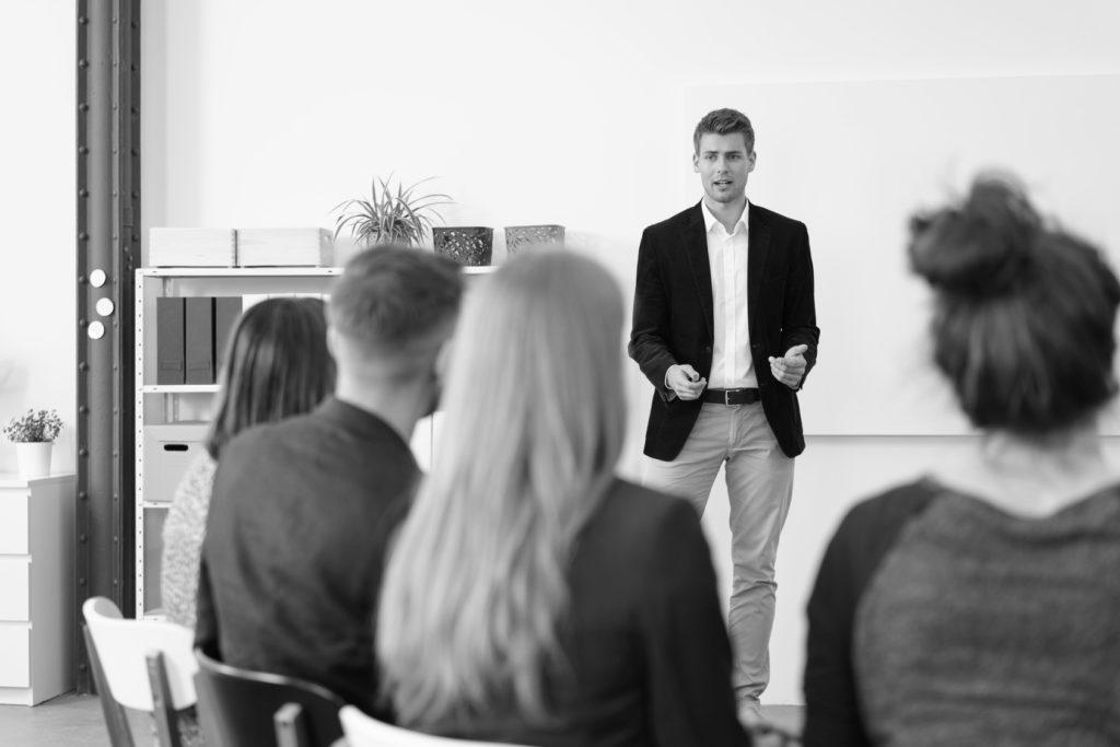 La prise de parole en public, s'exprimer avec impact, présentation experte, formation CPF en communication, pour impacter et inspirer avec Valeat Formation